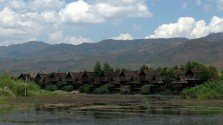 Baking at Inle – Snakes, Opium and the West Cashing in