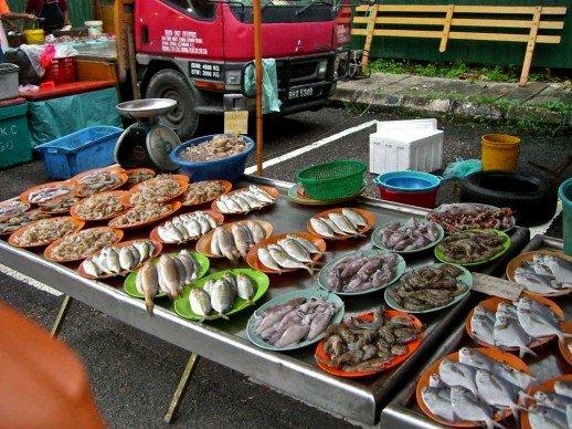 Outdoor market malaysia hella delicious for Empire fish market